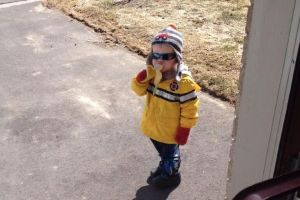 Photo of little boy knocked on stranger`s door asking for a banana became internet hit this week (28 pics)