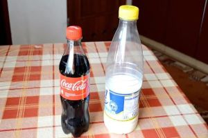 Coke vs milk: this demonstration will blow up your mind (6 pics)